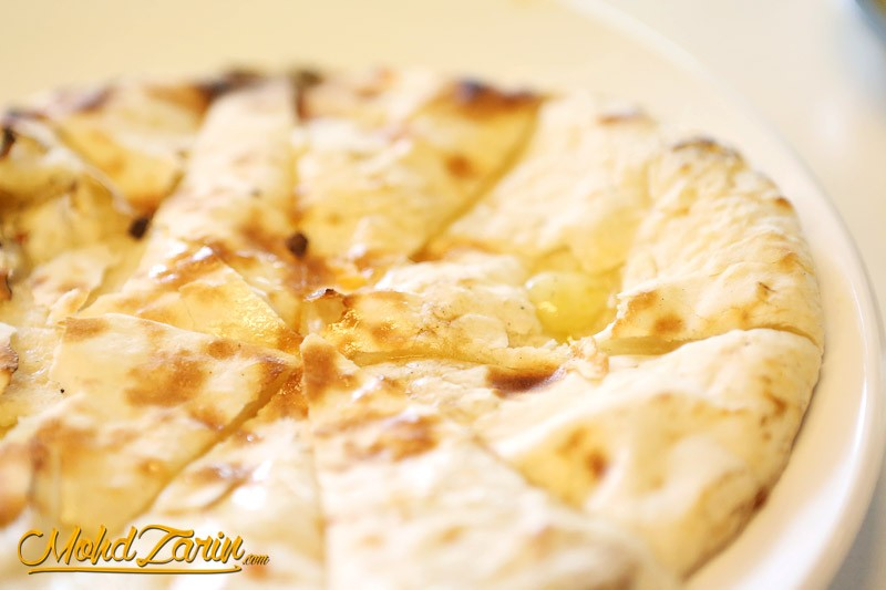 Rsmy cheese naan terbaik for Ah roy thai cuisine