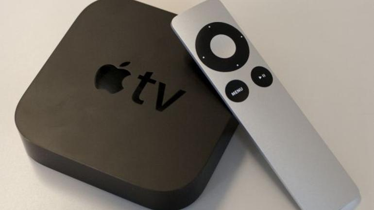 Apple_TV_with_remote