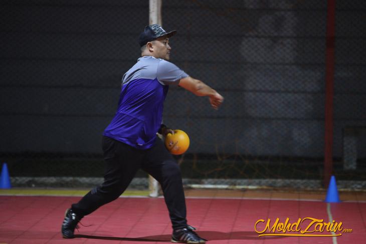 Cara Main Dodgeball