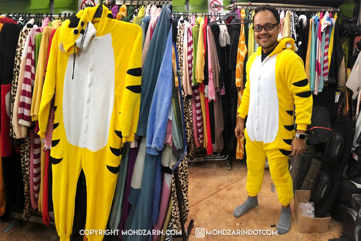 Berlari dalam Kostum Harimau
